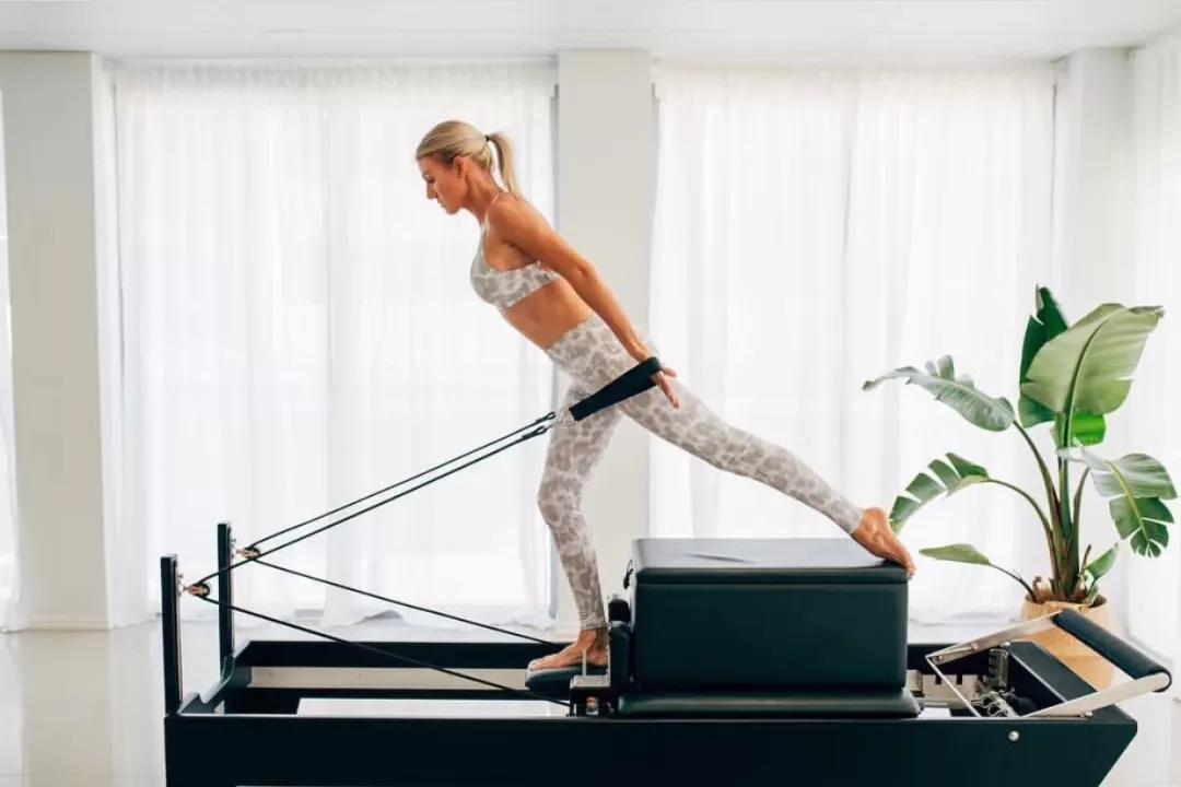 瑜伽普拉提 减脂塑形 健身 产后康复 普拉提床 ebzasia.com